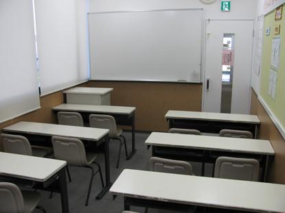 集団授業の教室もあり、特訓会場としても使います 日頃は、自習スペースとして利用できます