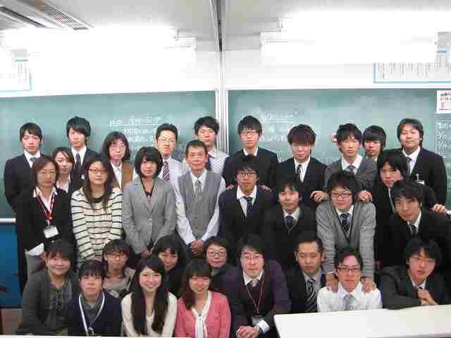■鎌倉スクール自慢の熱い講師陣 Team鎌倉でみなさんの目標達成にむけて指導してまいります。