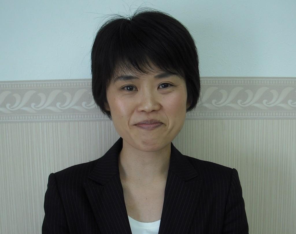 国語担当の大竹永です。 いろいろな言葉に触れて、今までに読んだことのない文章に挑戦して、自分の世界をひろげてまいりましょう。