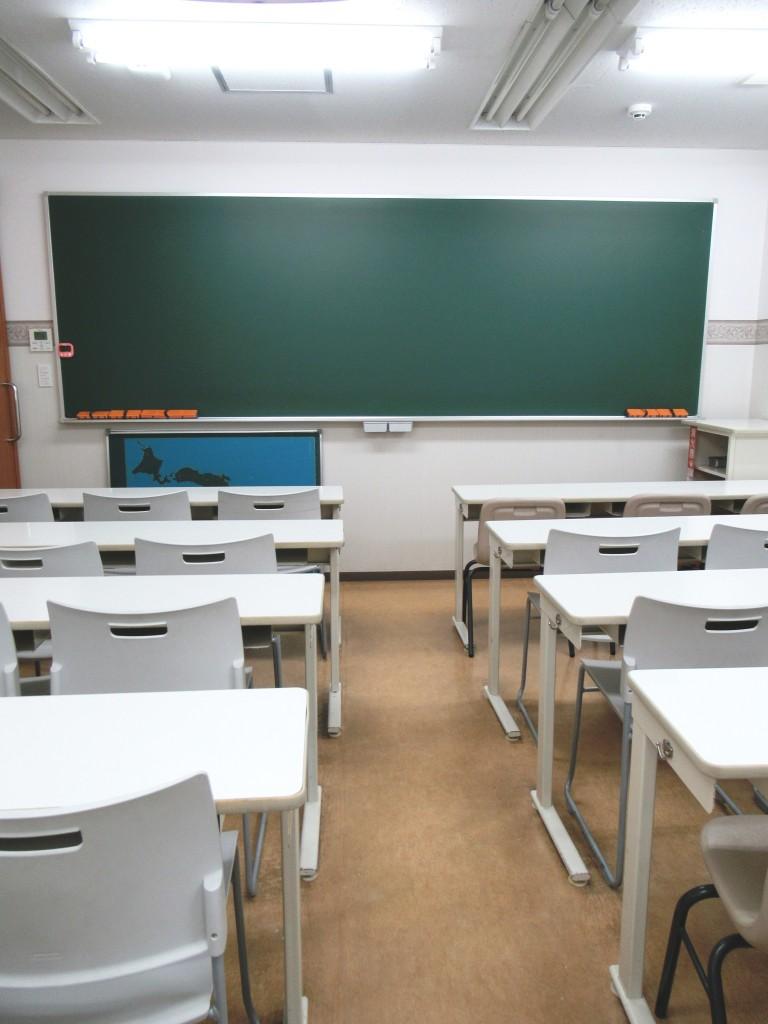<教室です>明るく広い学習スペースで集中して授業に取り組むことができます。ぜひ一度、ここで活気あふれる授業を受けてみてください!