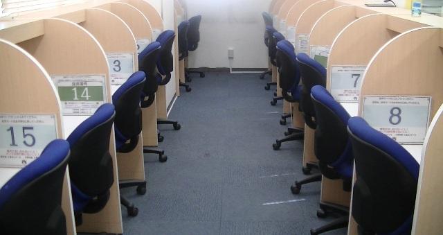 授業前やちょっとした時間の隙間で、個別ブースになっている自習室をどんどん活用してください。もちろん、授業のない日に利用してもらっても構いません。