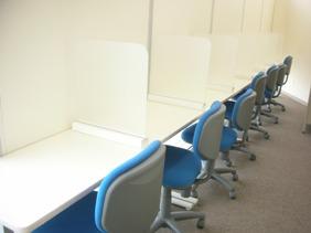 自習室もあります!テスト勉強や学校の宿題でたくさんの生徒が利用しています。