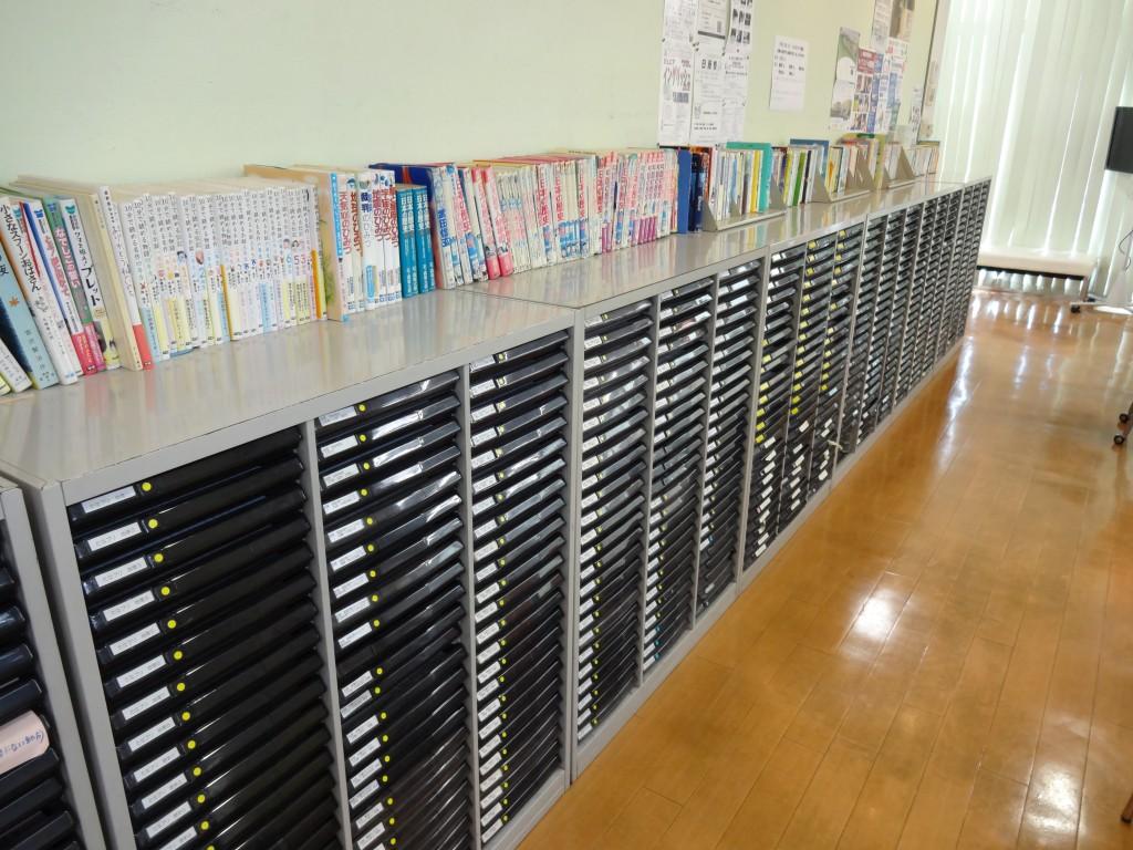 図書コーナーがあり、貸出もしています。